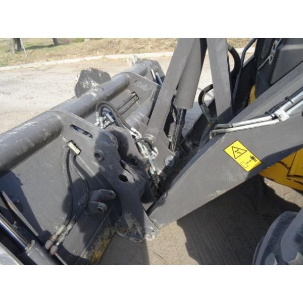 Экскаватор - погрузчик Volvo BL 71B - 2014